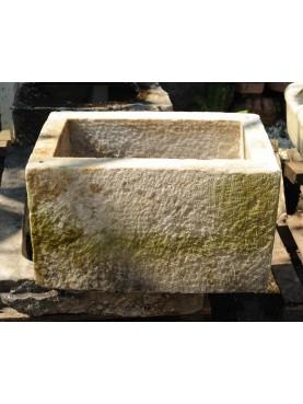 Vasca in marmo per il lardo di Colonnata