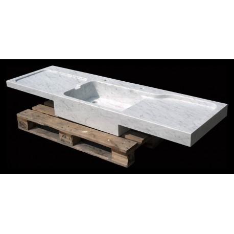 Grande lavandino in marmo con due gocciolatoi