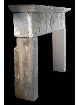 Camino in pietra dell'Appennino toscano