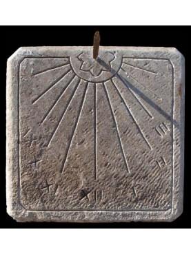 Copia di una meridiana in pietra calcarea