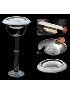 Ashtrays for large environments