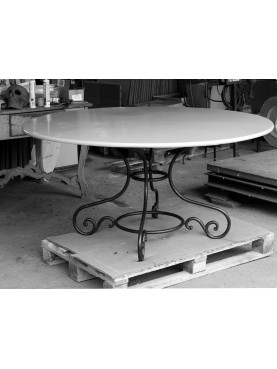 Round table Ø147cms