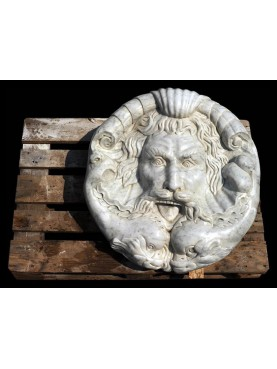 Great round roman mask - white Carrara marble