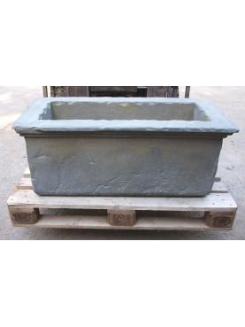 Riproduzione di Vasca da Giardino in malta cementizia