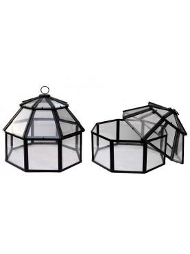 Piccola serra per orto ottogonale e a forma di campana