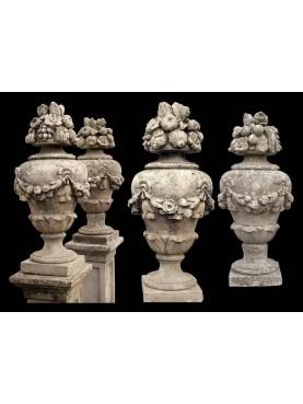 Coppia di urne in cemento dei primi '900