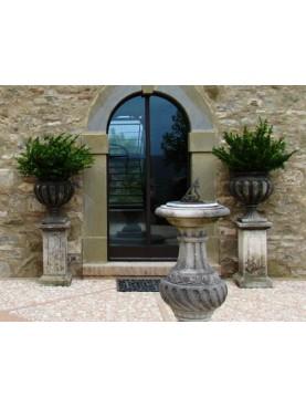 Vasi ornamentali in pietra