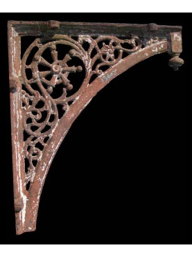 Cast Iron Bracket 106cms