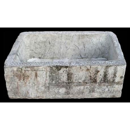 Grande pila in marmo