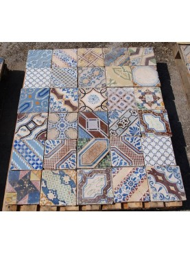 Pannello con 30 piastrelle originali antiche