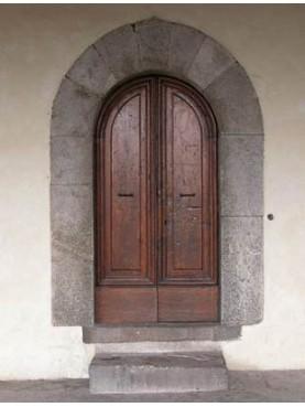 Portale in pietra serena