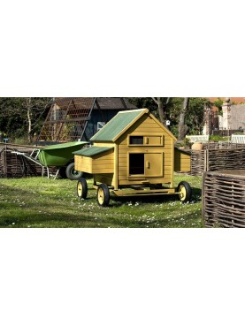 Chicken coop on wheels six hens