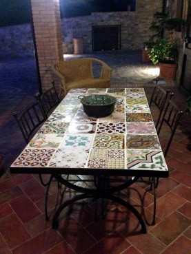 Table with tiles