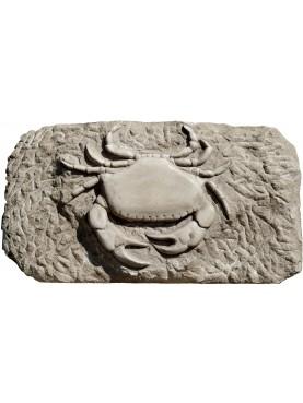 Scultura di granchio in pietra calcarea