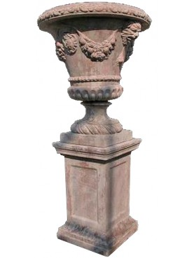 Big ornamental Medicis vase with coat of arms