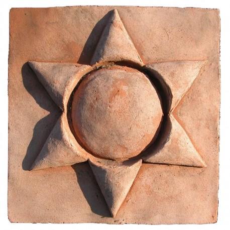 Piccolo bassorilievo in terracotta stella a 6 punte