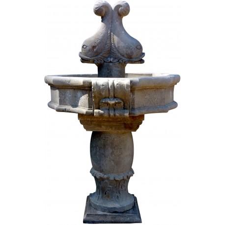 Fontana acquasantiera bifacciale da centro con delfini