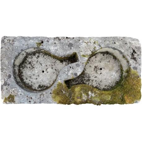 Antico stupendo salatoio per prosciutti in pietra calcarea
