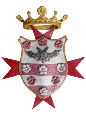 Stemma maiolicato con croce di malta e corona