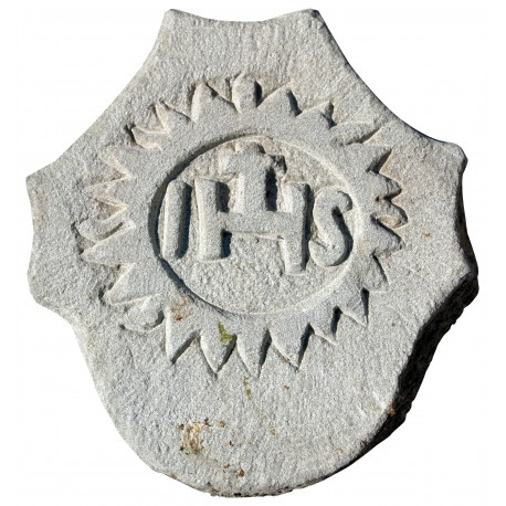 Small Stone coat of arms IHS