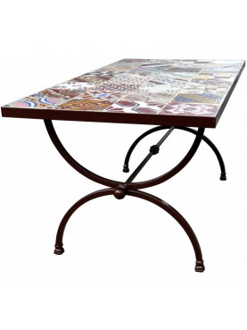Table 164 x 84 cm. with 32 tiles