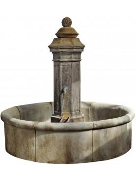 Fontana in pietra arenaria grigia