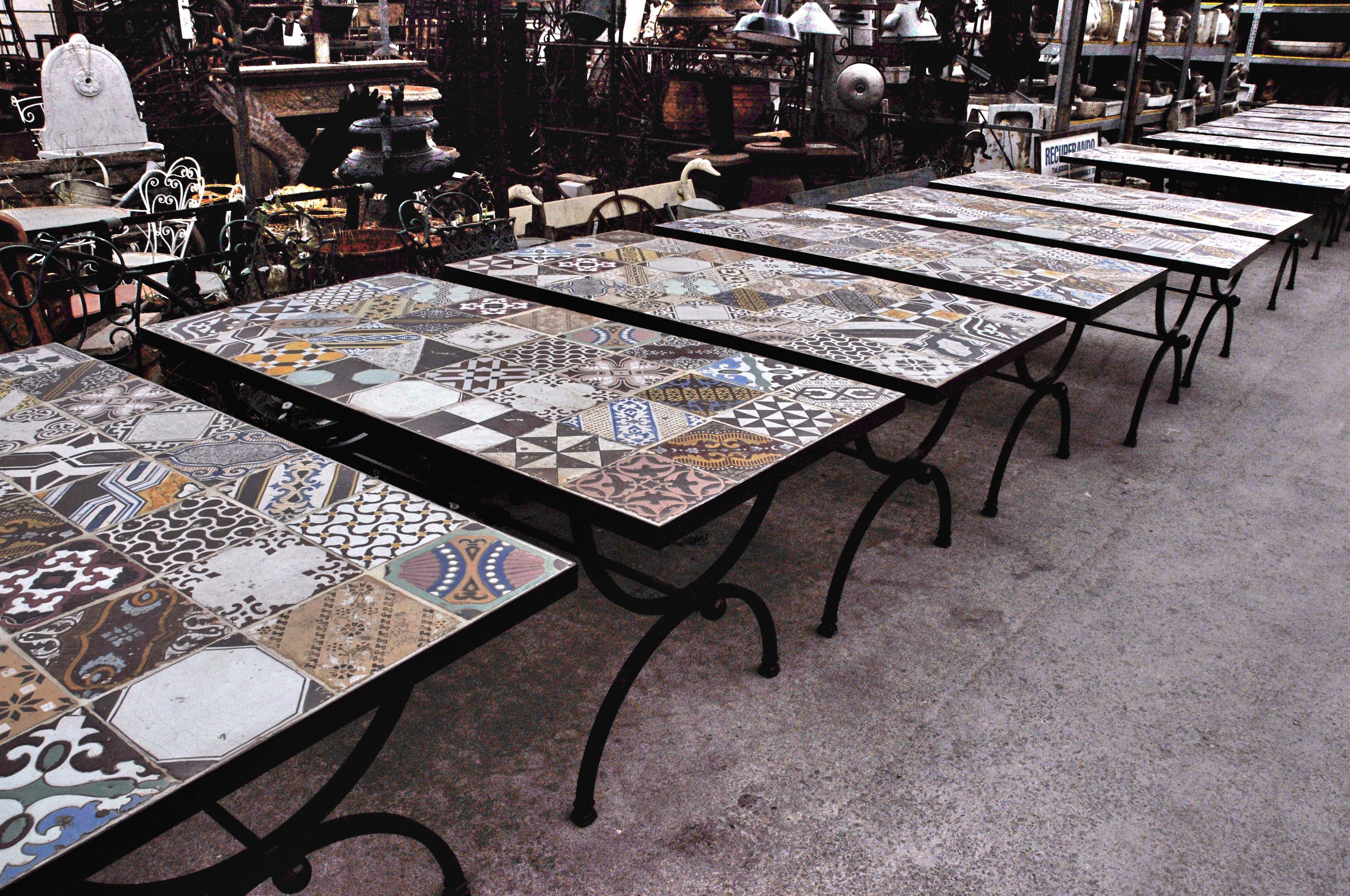 Tavolo In Ferro Battuto Prezzo : Tavolo in ferro con piastrelle antiche di maiolica codice