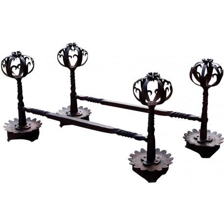 Coppia di alari in ferro battuto
