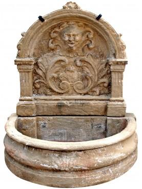 Fontana in cemento patinato