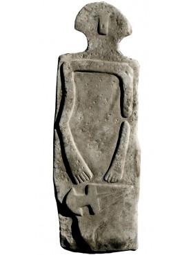 La nostra riproduzione della statua stele di Taponecco