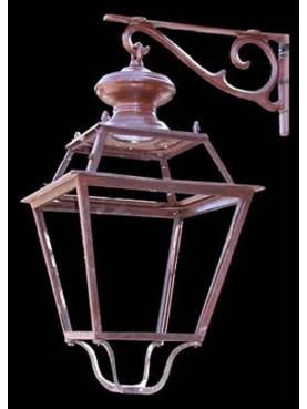 La lanterna in ferro della città di FIRENZE con mensola in ghisa