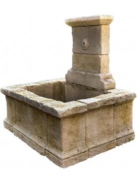 Grande fontana in pietra con lavatoio antico di 180cm di altezza