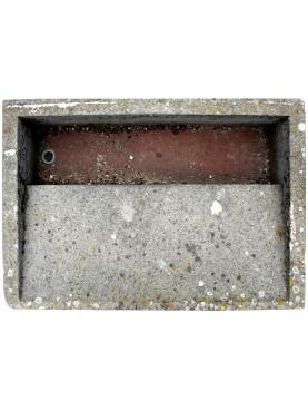 Lavatoio in pietra di peperino da Tuscania (Lazio)