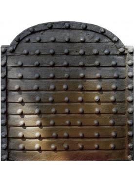 Fondale camino chiodato pesante medioevale