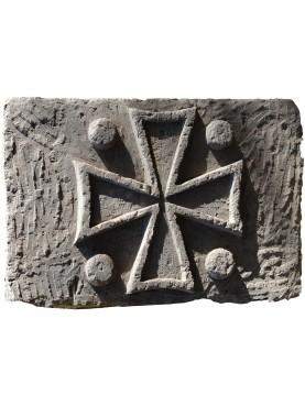 Large Malta Templar cross i stone