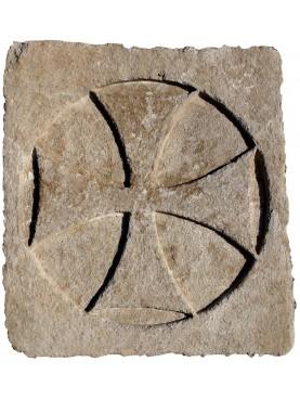 Croce Templare in pietra rettangolare
