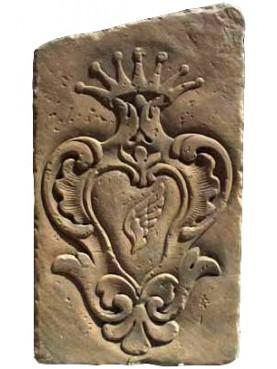 Stemma in Pietra con ala riversa - stemma di Larino
