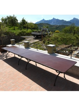Two tables of 245 cm coupled - 490 cm long table
