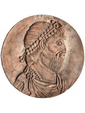 Tondo bassorilievo in terracotta con ritratto di Giuliano l'Apostata
