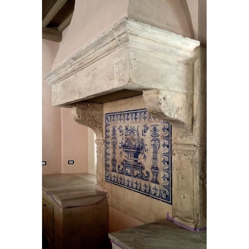 Camino in pietra da cucina con Pannello portoghese azulejos ...