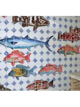 Grande pannello di maiolica con pesci