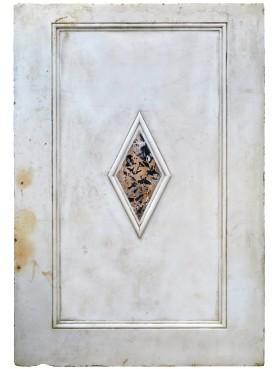 Pannello di marmo bianco intarsiato con marmo Portoro
