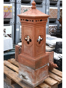 Large Tuscan terracotta chimney pot