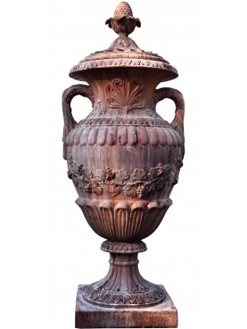 Grande vaso ornamentale in terracotta con tralci d'uva
