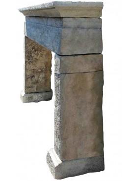 Camino antico in pietra dell'Appennino toscano arenaria