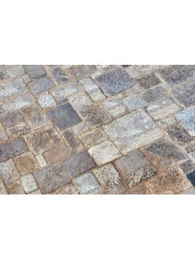 Una piscina in Maremma, pavimentata con la nostra pietra di Filettole