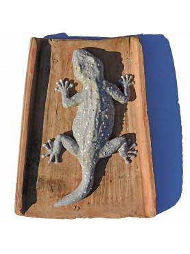 Our production great tiled gecko on an ancient rooftile