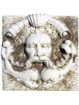 Mascherone in marmo bianco levigato