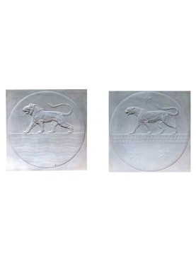 Pair of bas-relief with Lion and Panther in plaster