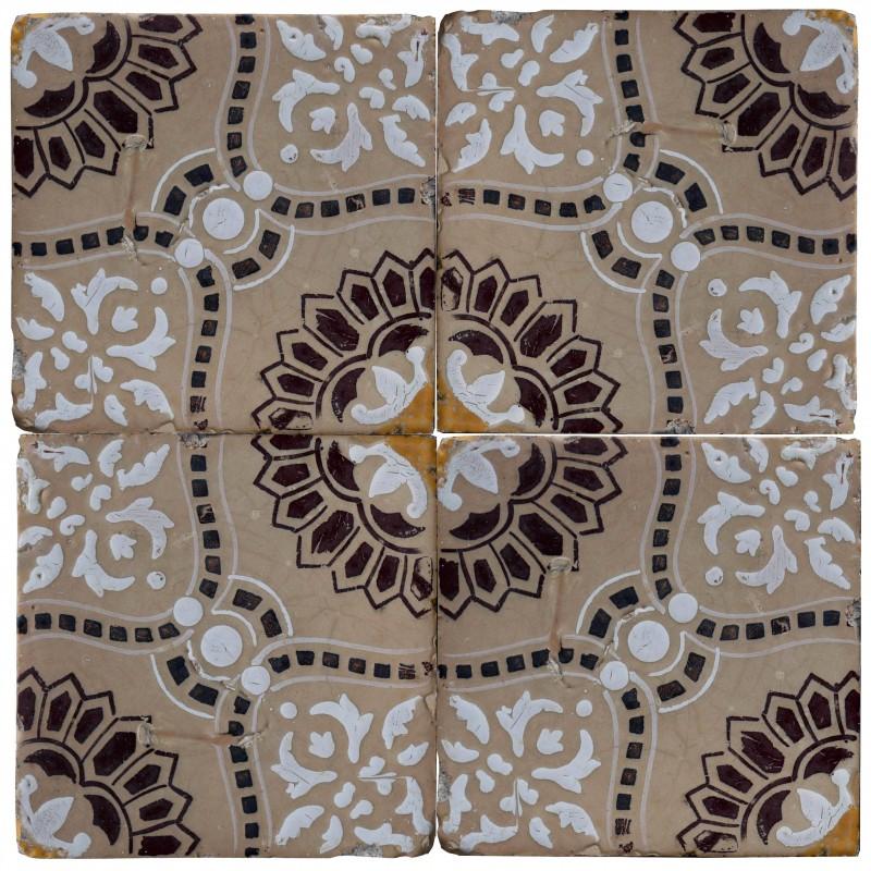 Top piastrella di maiolica con disegni bianchi e marroni - Piastrelle con disegni ...